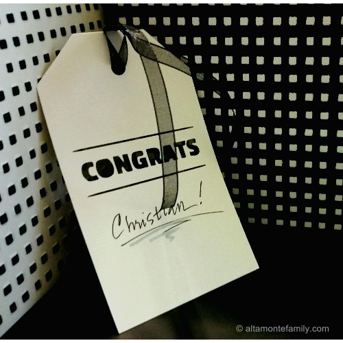 Free Cricut Graduation Gift Tag Cut File and Tutorial
