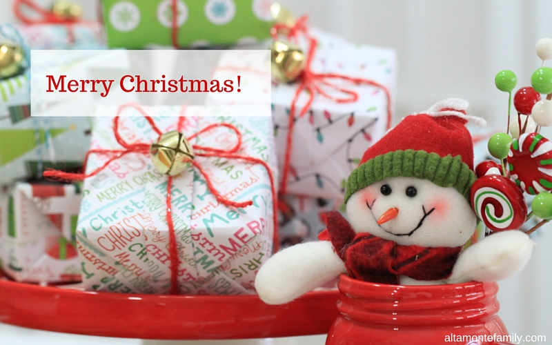 Christmas Giftwrapping with Scrapbook Paper
