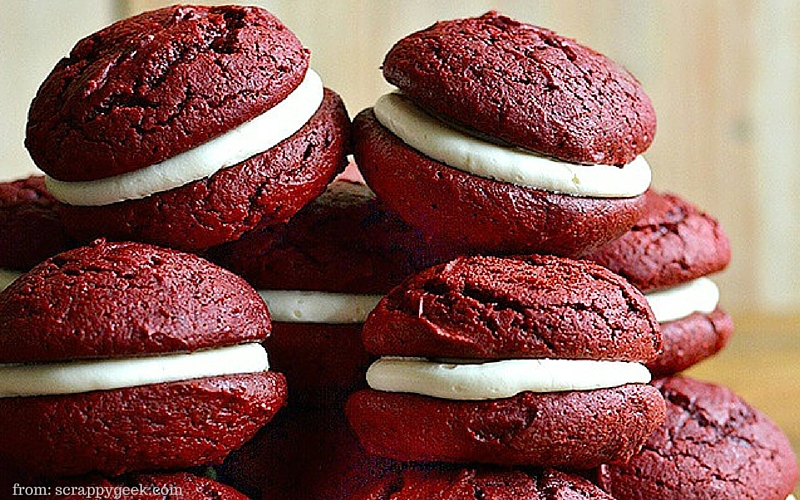 Red Velvet Whoopie Pie - Hungry Friday Feature - Altamonte Family