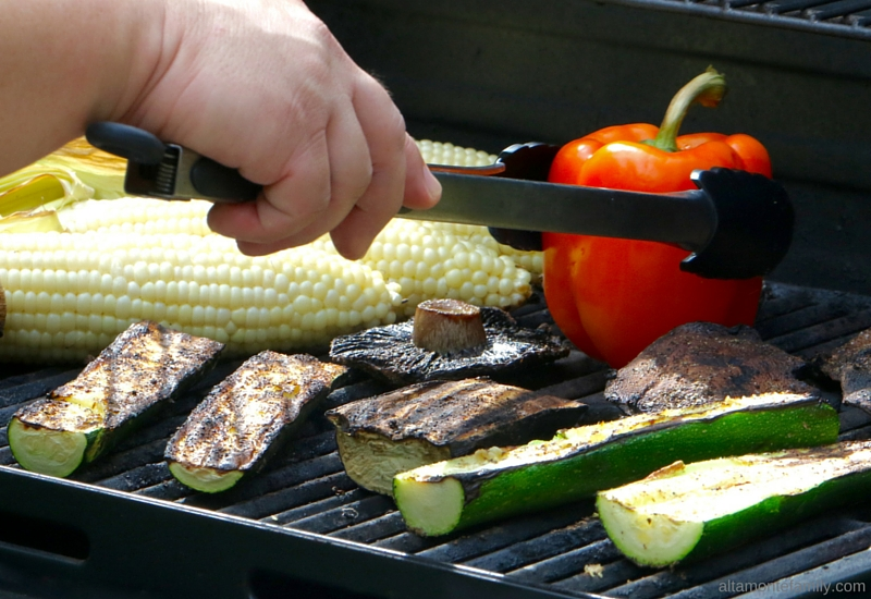 How to grill sweet corn husk-on