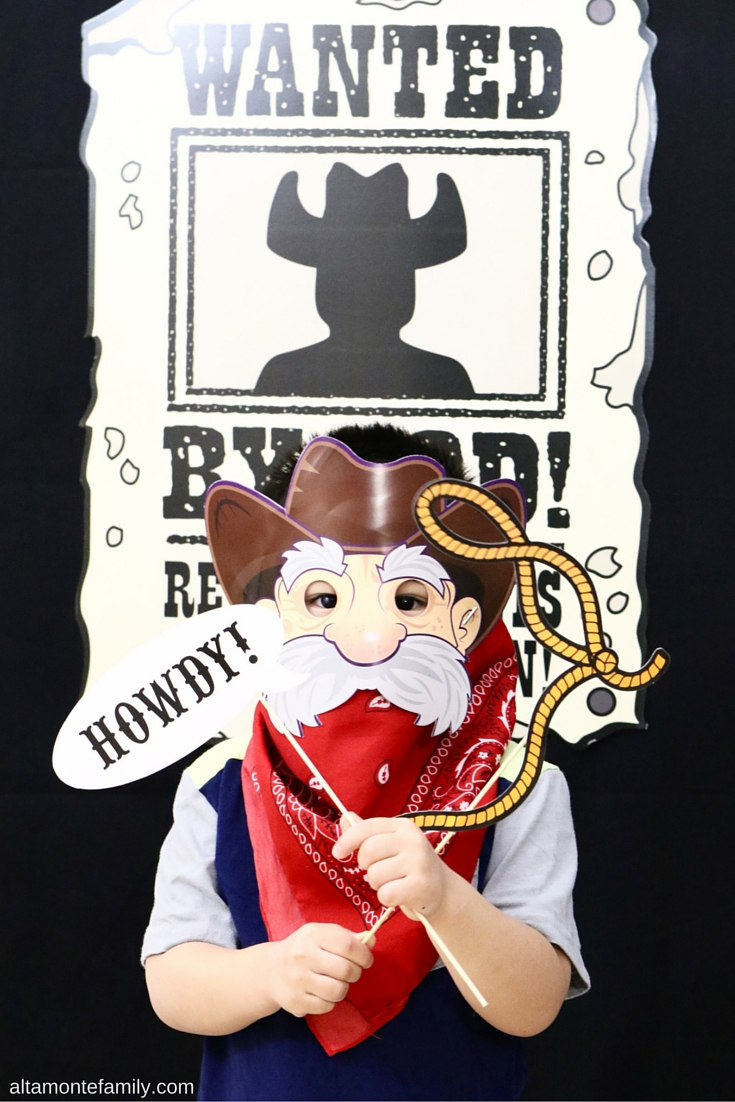 VBS Cowboy Photo Booth Ideas - Western Theme