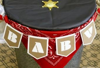 DIY Baby Gift Bucket Banner