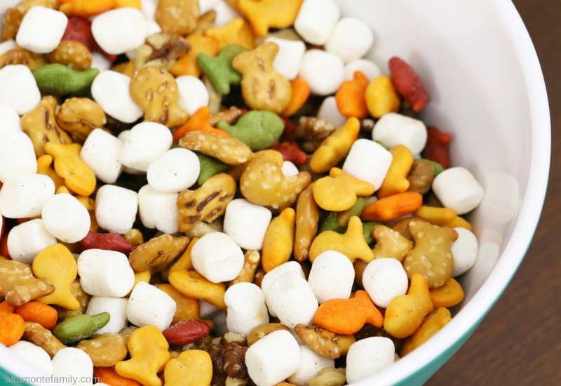 Goldfish Cracker Recipes Ideas - After School Snack Mix for Kids