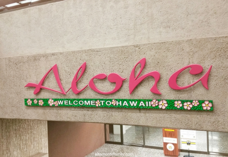 Honolulu International Airport-HNL-Aloha-Welcome-To-Hawaii-Sign
