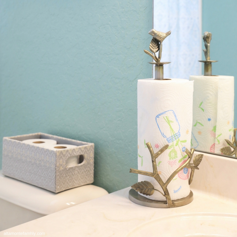 Bathroom Cleaning and Decorating Ideas For the Holidays