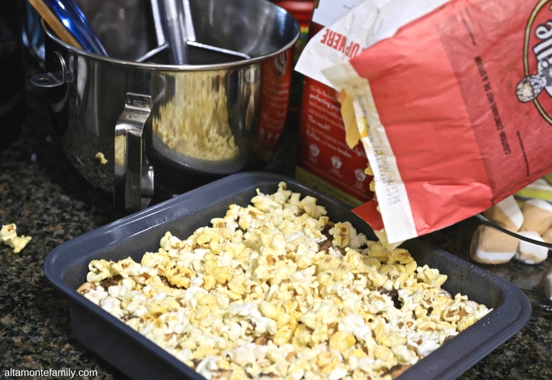 Popcorn Fondue Squares Recipe with Chocolate Cookie Crust