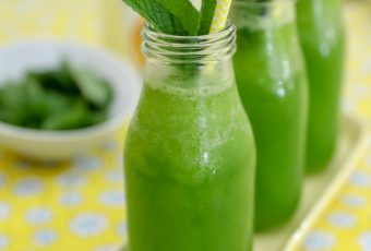 Green Lemonade + Easy Spring Entertaining