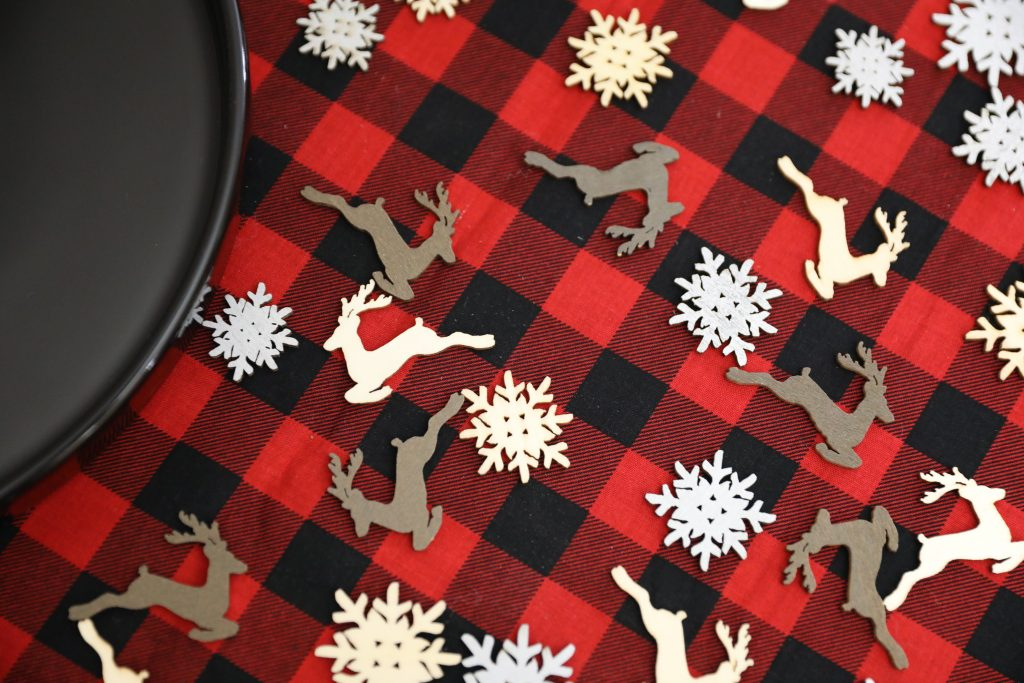 Rustic Holiday Decor - Plaid Tablecloth Ideas