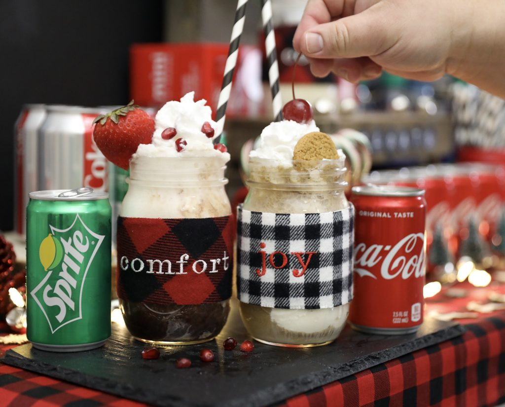 Rustic Holiday Mason Jar Drink Ideas - Christmas Entertaining Tips